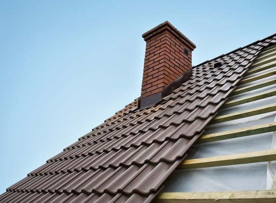 Atap Rumah dengan Cerobong Asap