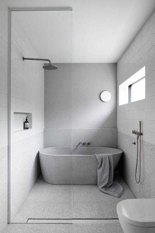 Freestanding Corner Bathtub