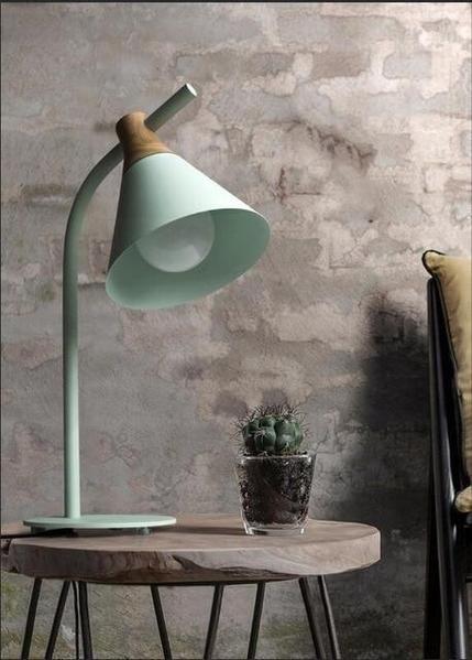 Lampu Belajar Green Tosca