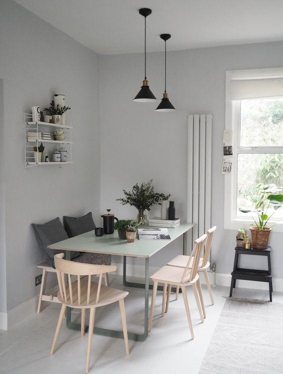 Meja Makan dengan Perpaduan Kursi Memanjang