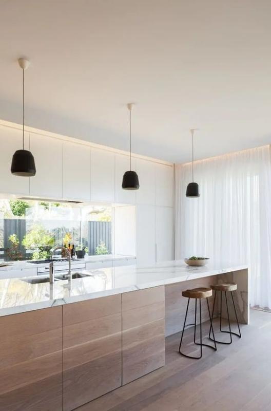 Dapur Minimalis dengan Hiasan Lampu Gantung