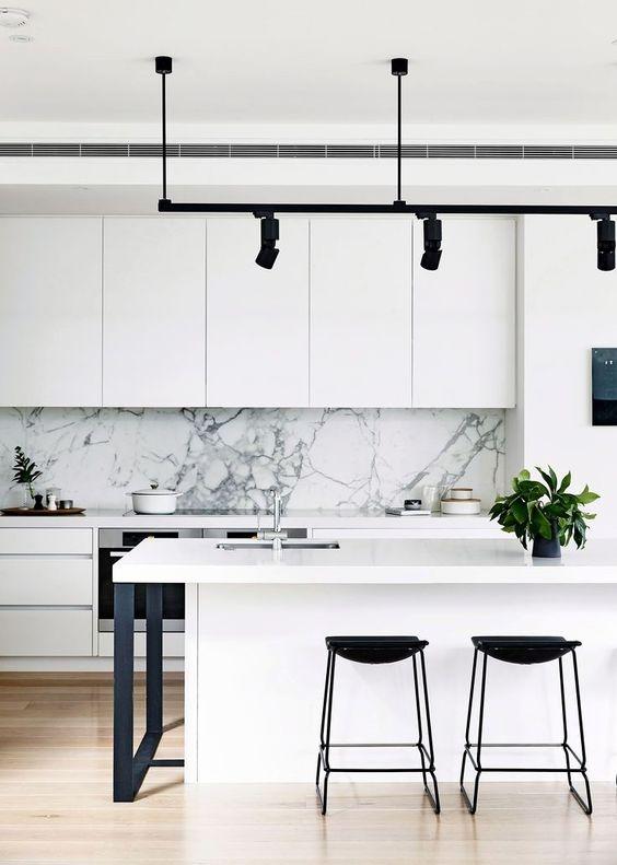 Dapur Minimalis dengan Warna Dominan Putih