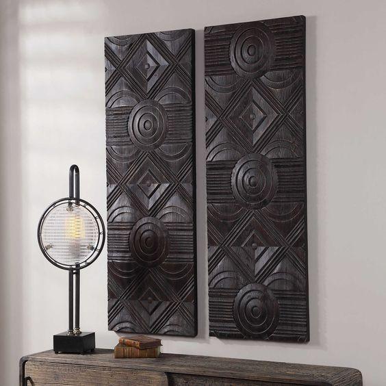 Hiasan Dinding Kayu Ukiran Vertikal Hitam