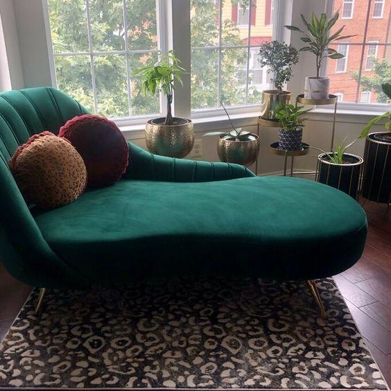 Kursi Santai Model Sofa Panjang Datar