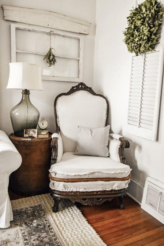 Kursi Vintage Empuk untuk Ruang Santai