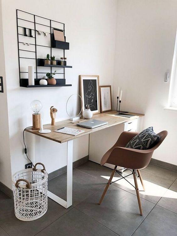Meja Kerja Minimalis Kombinasi Putih dan Coklat