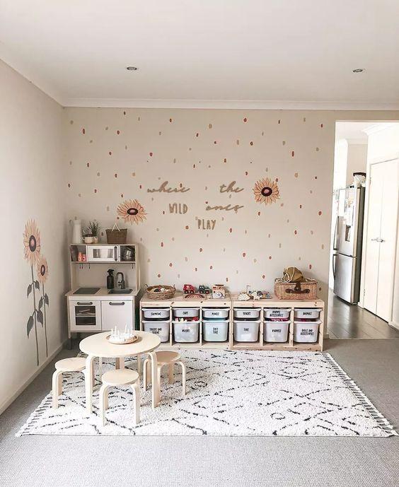Ruang Bermain Anak dengan Rak Penyimpanan