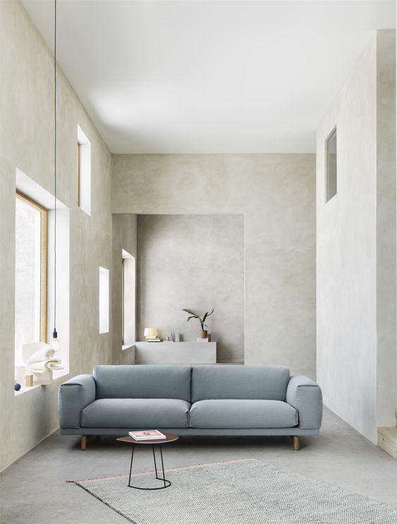 Ruang Tamu Minimalis dengan Penggunaan Furnitur yang Esensial