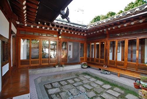 Rumah ala Korea Full Kayu